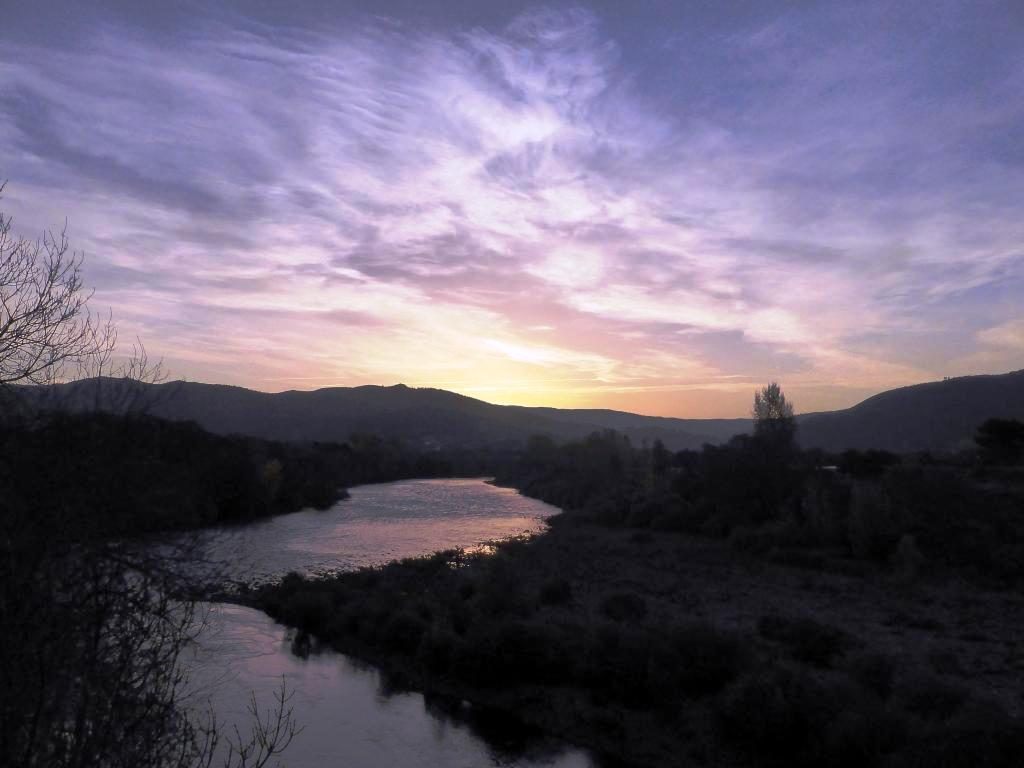 Sunrise over the Rio Sil on the Camino de Invierno.
